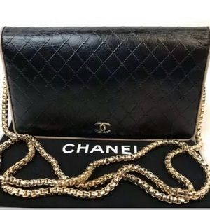 CERTIFIED AUTH. CHANEL QUILTED CC LOGO WALLET